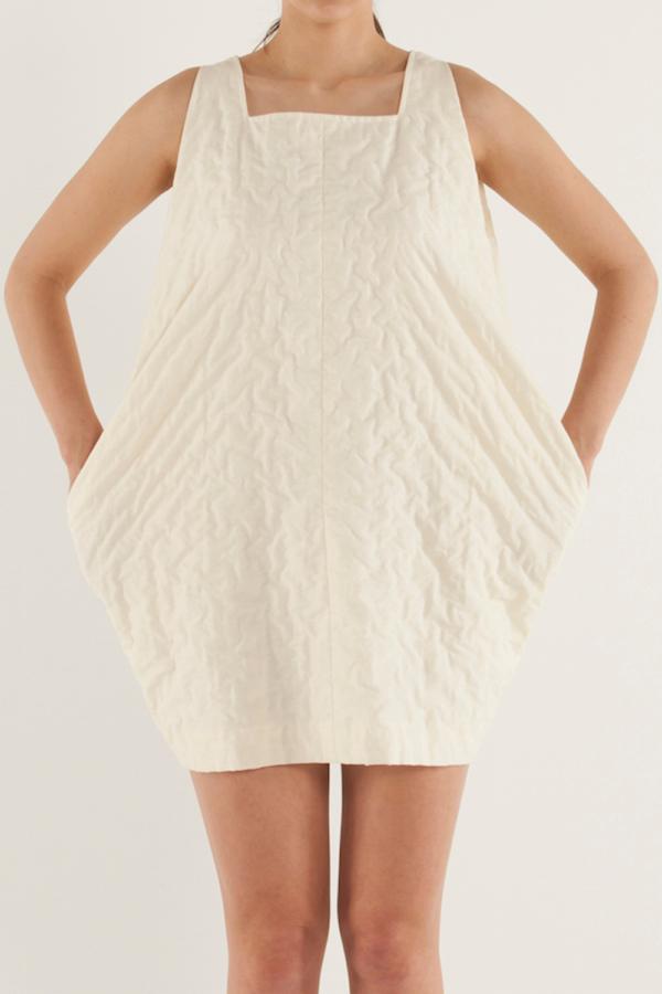 方型領蛋型剪裁連身裙